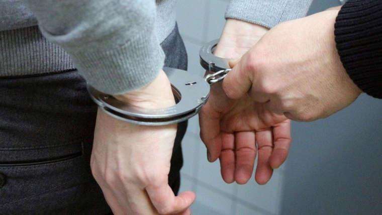 Peine d'emprisonnement et droit de visite et d'hébergement